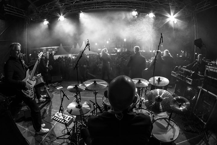 You got to Groove! Check it out! www.amberroots.nl #liveband #feestband #party #events #entertainment
