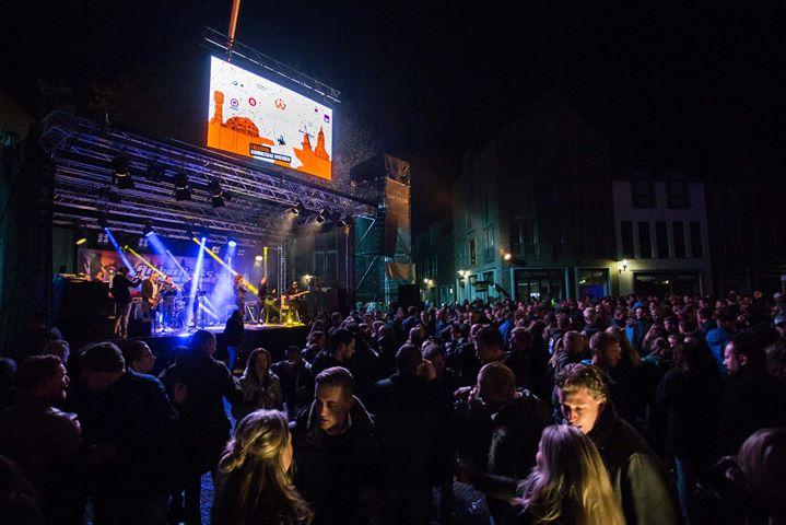 We zijn aan het aftellen naar #Koningsdag in Mijdrecht @Rendez Vous en Het Rechthuis. Maar eerst gaan we maandag knallen op de Springparty van GEELS EVENEMENTEN in Alkmaar #zinin #liveband #feestband #entertainment #showcase #springparty #evenementen #mijdrecht #derondevenen #party #feest #bethere